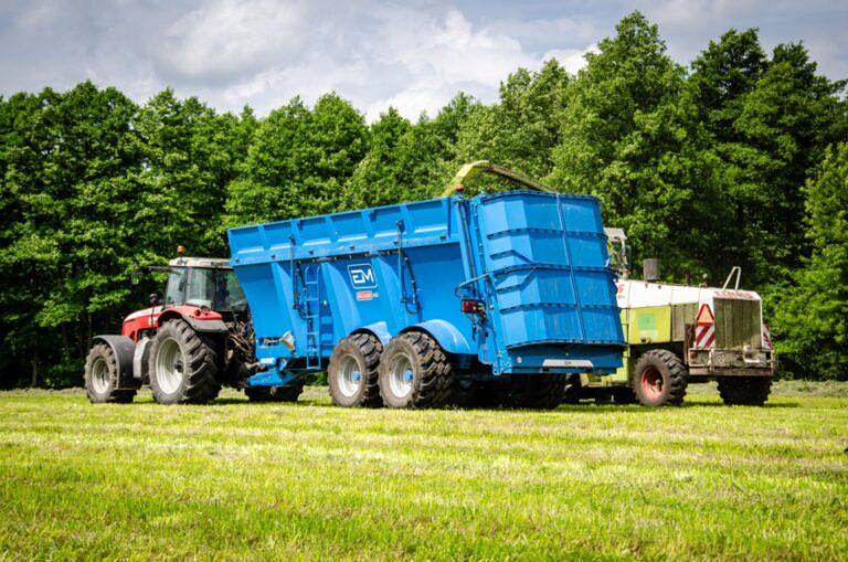 Meslu-izkliedetajs-skabbaribas-transports-kukuruza